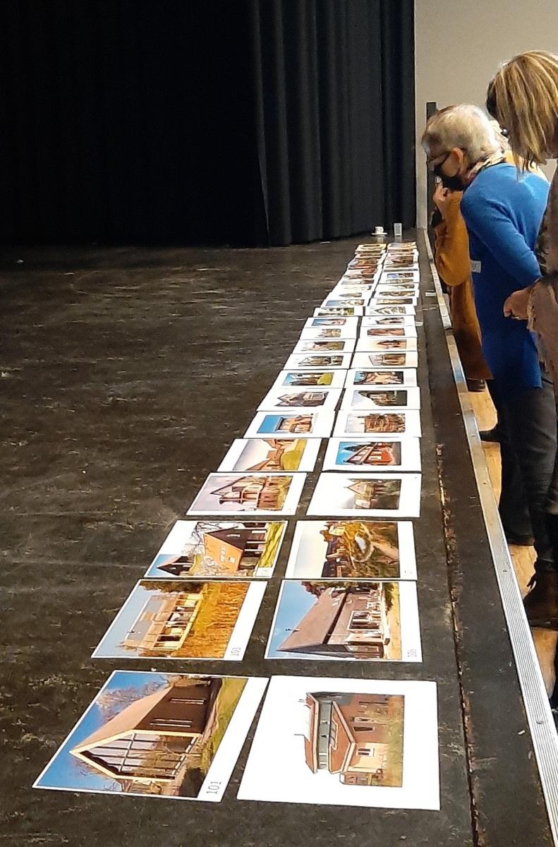 Tijdens deze workshop kozen we uit honderden foto's en een favoriet.